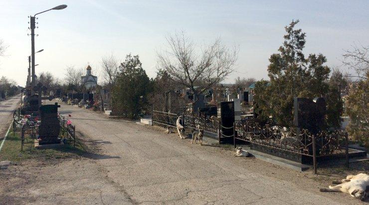 Астраханские кладбища закрылись