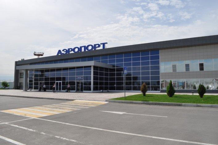Пассажиров астраханского аэропорта порадовали фотовыставкой