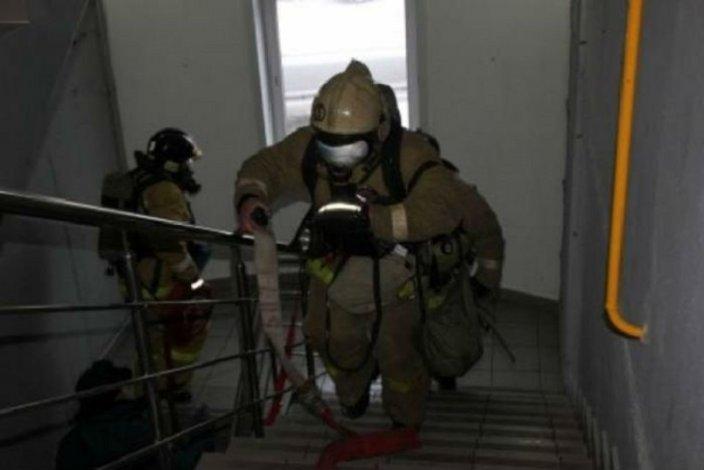 На пожаре в Астрахани эвакуировано 19 человек