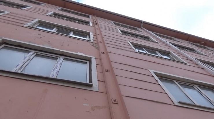 Наше расследование: на кого же завели уголовное дело по признанию домов в Астрахани аварийными