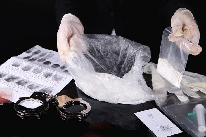 Астраханские полицейские изъяли килограмм наркотиков
