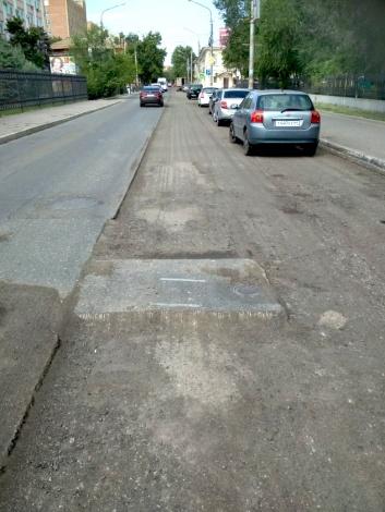 В Астрахани ремонтируют улицу Ленина и другие дороги