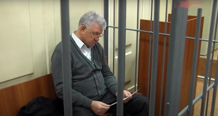 Бывший мэр Астрахани Столяров подал в суд на пристава