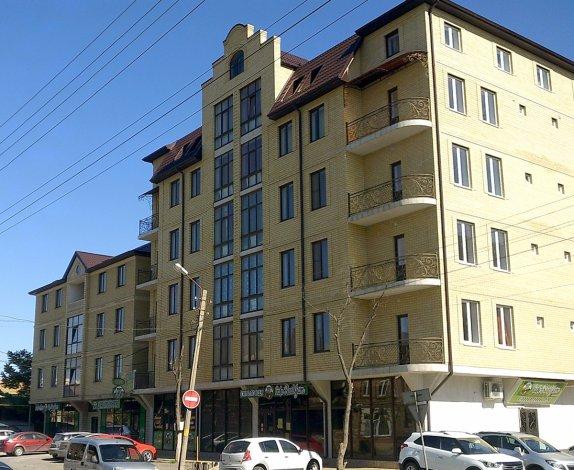 Аварийный дом в Астрахани не сносят вопреки решению суда