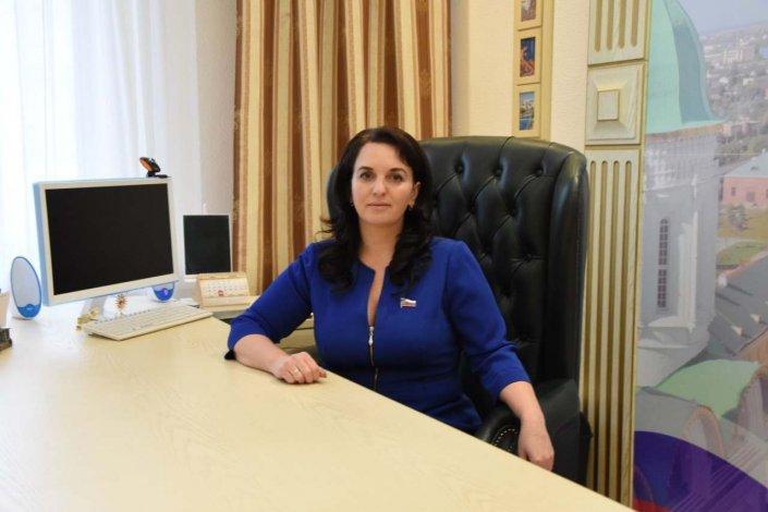 Алёна ГУБАНОВА: Двуглавая система городской власти несовершенна