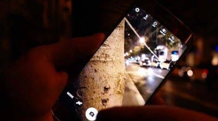 У танцующей астраханки похитили смартфон