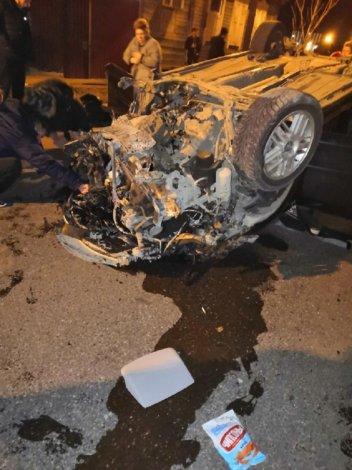 В Астрахани пьяный водитель врезался в дерево
