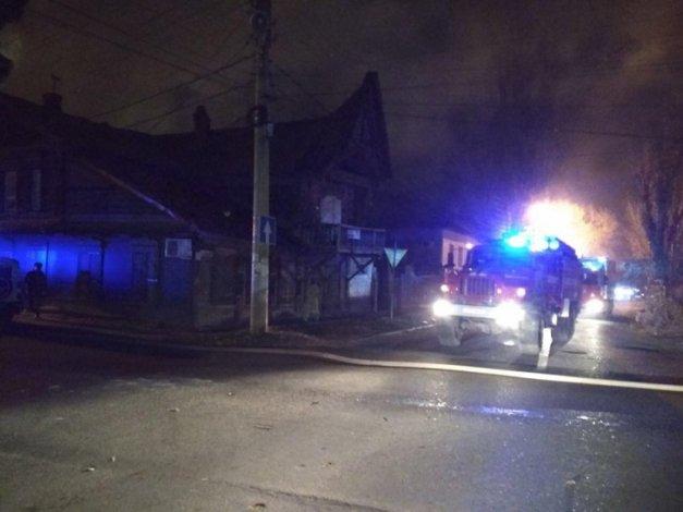 В центре Астрахани сгорел жилой дом
