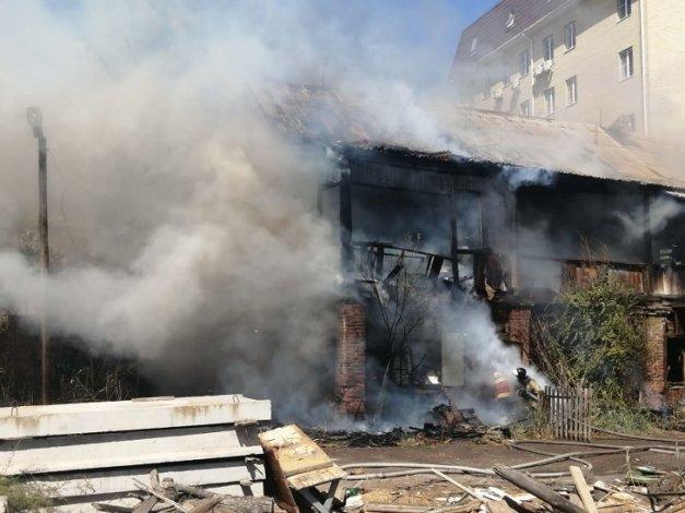 В Астрахани вновь горел старый жилой фонд