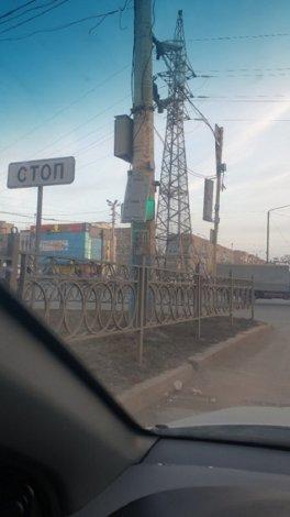 Астраханский ветер не пощадил светофор