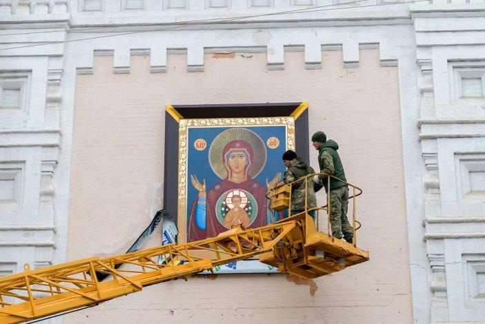 В центре Астрахани возрождается поруганный советской властью храм