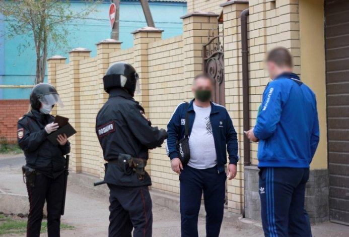 Астраханские полицейские продолжают карантинное патрулирование