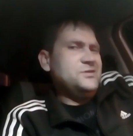 Астраханский таксист раскрыл заработки и секреты профессии