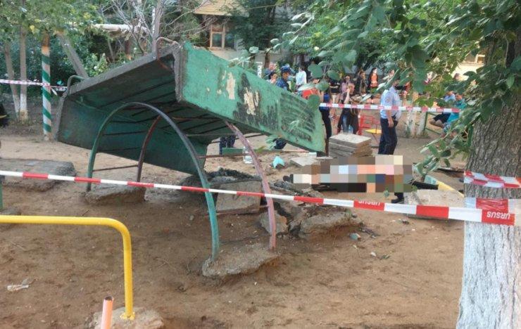 Детская площадка убила маленького астраханца