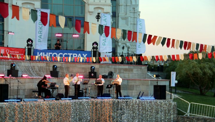 Открытие летнего сезона Астраханского театра оперы и балета стало «праздником не для всех»?