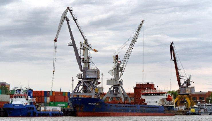 Грузооборот Каспийских портов вырос: большинство грузов обрабатывает Махачкала