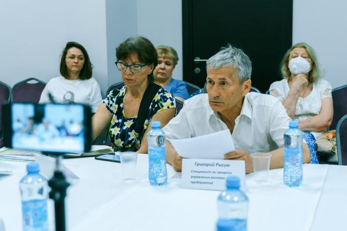 Родительское сообщество потребовало от власти полную и исчерпывающую информацию об эксперименте по внедрению ЦОС в Астраханской области