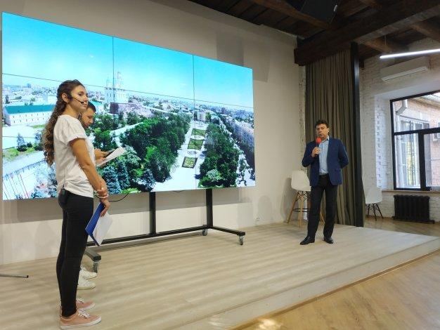 Владимир Золотокопов посетил студию прямого эфира, посвященного астраханским выборам