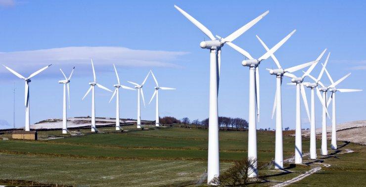 На пять ветряных электростанций в Астрахани выделено 5,7 млрд рублей