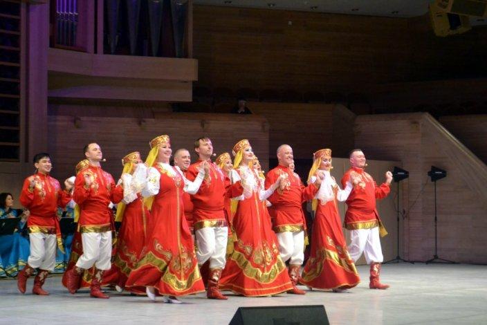 Астраханцы спели и станцевали в Москве