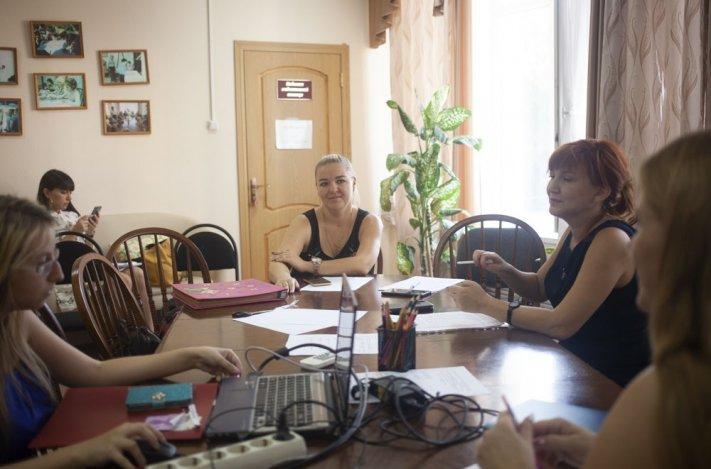 Астраханские специалисты социальной сферы обсудили тонкости воспитания приёмных детей