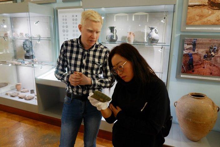 Астрахань посетила известный археолог из Китая