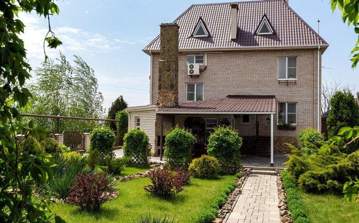В Астрахани сдаётся дом за 34 тысячи рублей в сутки