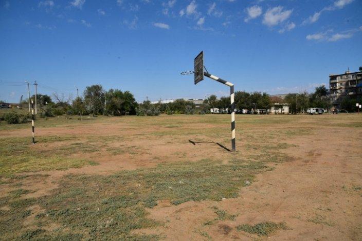 В Правобережье Астрахани пустырь станет парком с футбольным полем
