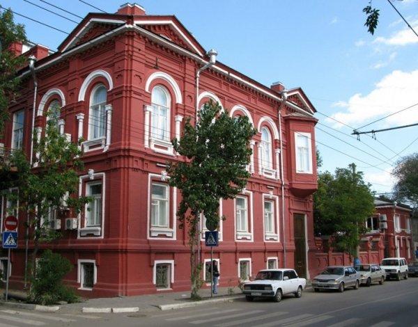 Астраханская картинная галерея продолжает встречи по пятницам