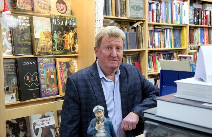 «Букинист» и его хозяин: чем живет частная книготорговля в Астрахани