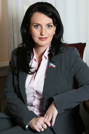 Спикер гордумы Астрахани прокомментировала скандальный инцидент с пьяным депутатом