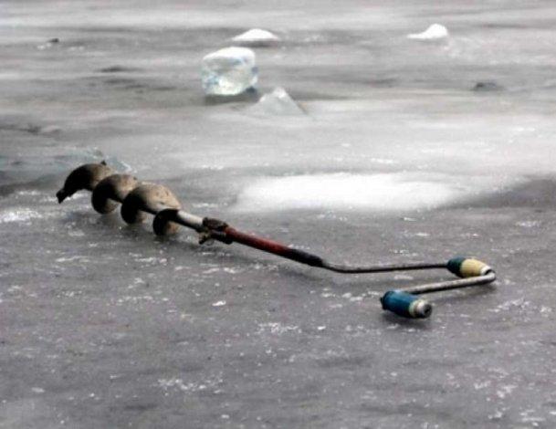 Астраханский рыбак провалился под лёд и утонул