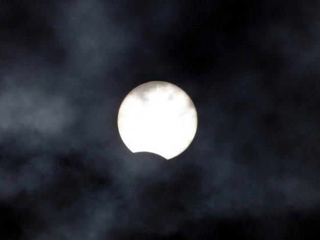 Астраханец сфотографировал солнечное затмение