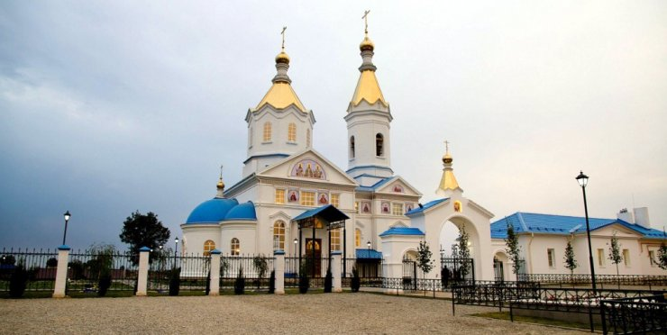 Дрыгин и РПЦ: как астраханский экс-депутат землю под храмом отобрать хотел