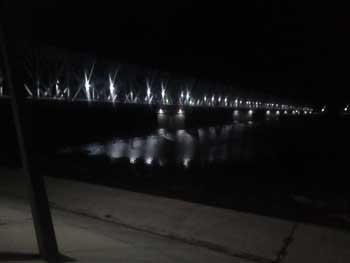 В Астрахани засверкали железнодорожные мосты