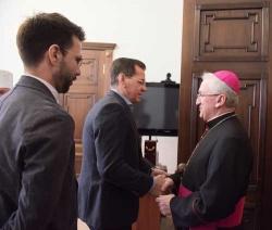Александр Жилкин встретился с дипломатическим посланником Ватикана